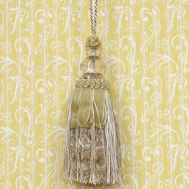 Shabby Chic Key Tassel. Cream & Beige 280mm