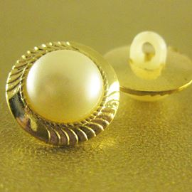 Eternity Button. Pearl/Gold. 15mm / 23 Ligne