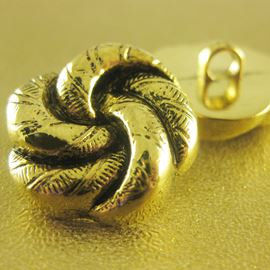 Rose Knot Button. Antique Gold. 21mm / 33 Ligne