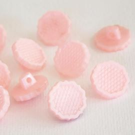 Lattice Tudor Rose Button - Powder Pink - 13mm / 22 Ligne