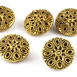 Filigree Daisy Button. Gold. 13mm / Ligne 20