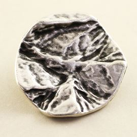 Cool Lava Button. Antique Silver. 28mm / Ligne 44