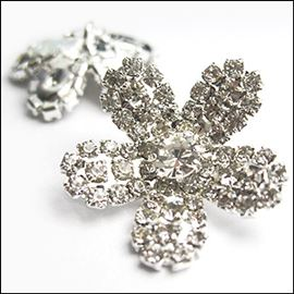 Cupped Blossom Diamante Button. 25mm